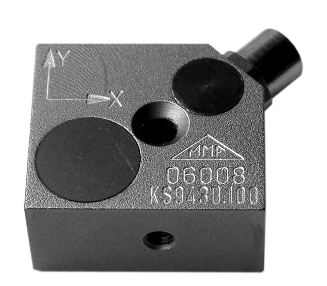 Low power triaxial accelerometer